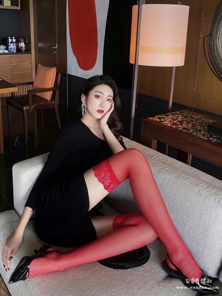 涞觅红色性感超薄3D蕾丝吊带高筒丝袜买家秀