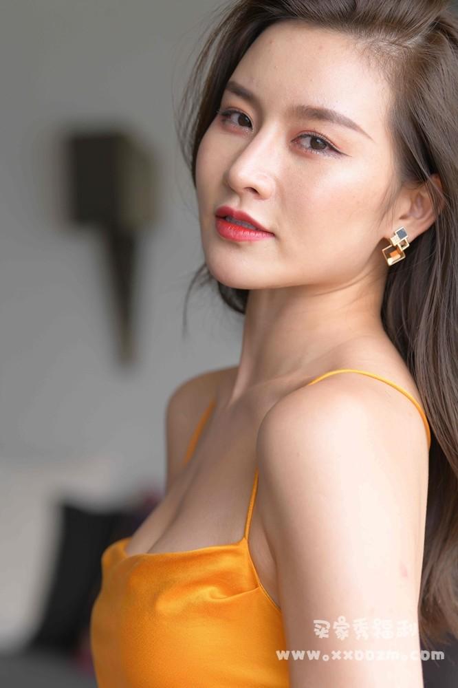 黄色露背包臀连衣裙美女大理旅拍街拍 有G必火【高清724P/18.1GB】