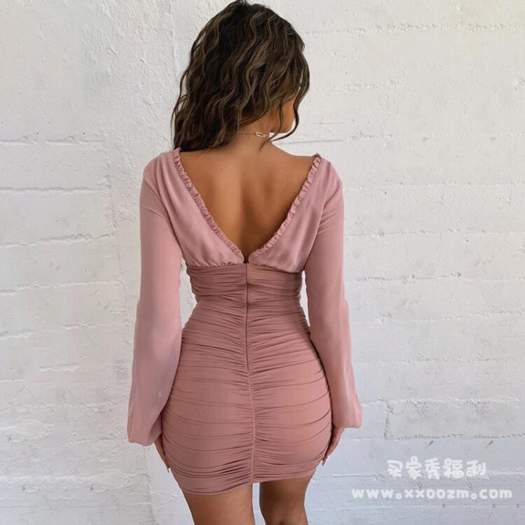 大V领木耳边长袖V领露背连衣裙 为什么别人家的女朋友就能穿出好看的感觉