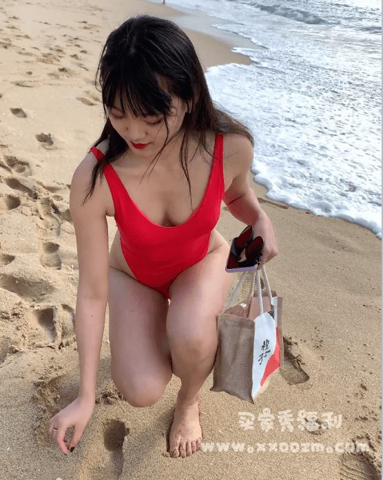 海边红色泳衣学生妹旅拍4K高清视频【2V/10.9GB】