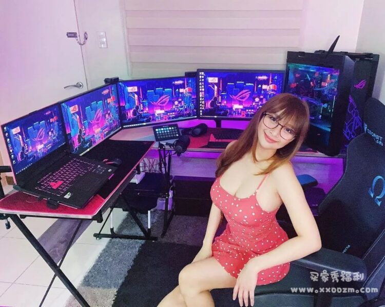 菲律宾游戏主播 Ann B. Mateo 证明戴眼镜的才是最S的