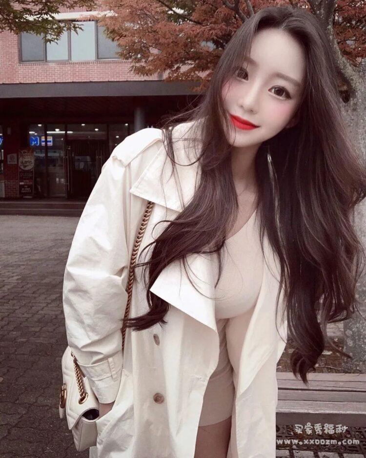 夸张腰臀比例南韩第一网红妖精 berry 超凶身材是要逆天 生活照写真视频下载【309P/16V/70.4MB】