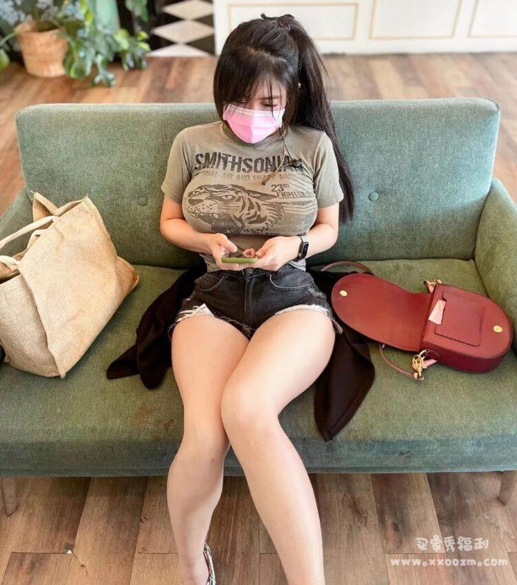 泰国身材排名第一的DJ Niparat konyai 最喜欢裤子挖洞