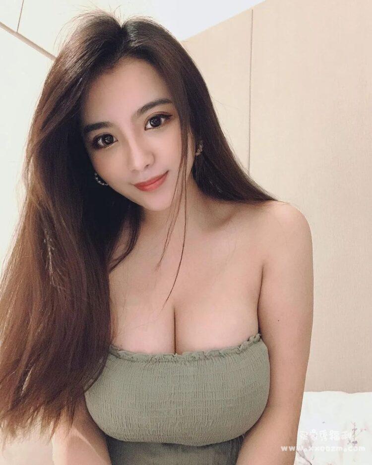 台湾最性感护士 田甜 分手之后使劲开始爆照