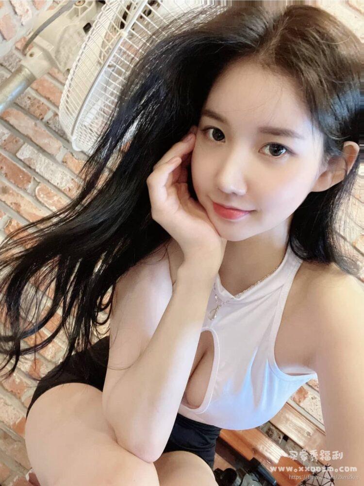 韩国网红美女 2km2km(美玲元)Fan.trie 日常生活自拍视频合集下载【410P/19V/539MB】