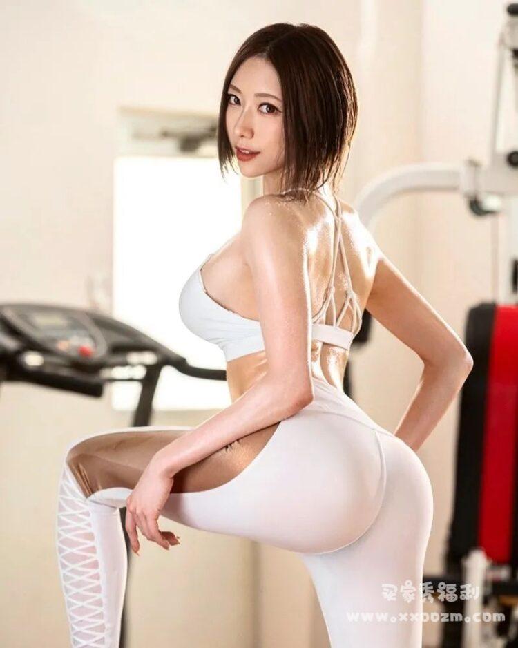 当人气女演员 七海蒂娜 爱上健身,这夸张的S曲线的身材也太励志了吧!
