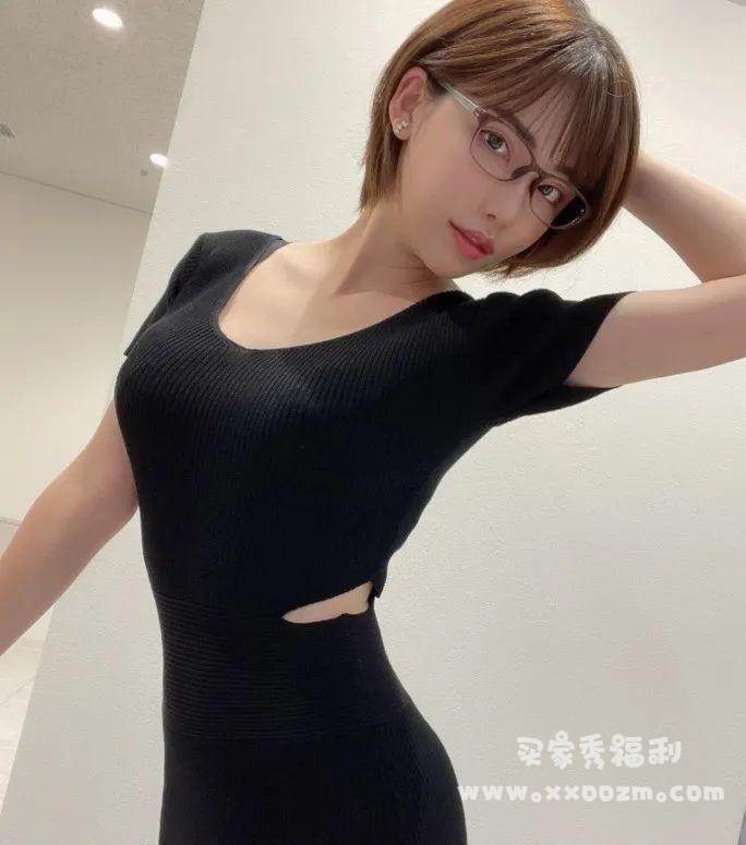 深田咏美另类健身,场面一度。。