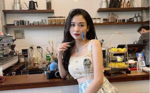 越南小姐姐 武氏英书(Vu Thi Anh Thu)8分钟不雅视频流出,这可比国产的狠多了!