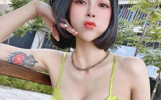 前凸后翘火辣身材萌系少女 赵宇乔 生活照自拍视频下载【369P/8V/83MB】